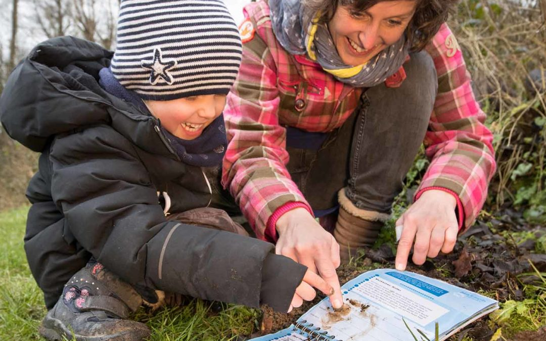 Förderverein NaturGut Ophoven bringt Mitmachbuch für Familien heraus