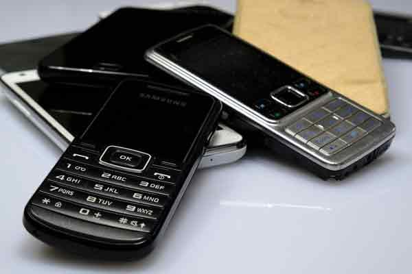 Sammelaktion: Mit alten Handys die Umwelt schützen