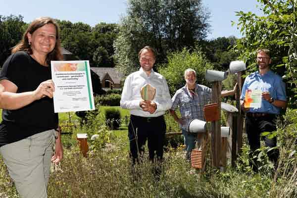 NaturGut Ophoven wird als UN-Dekade Projekt Biologische Vielfalt ausgezeichnet