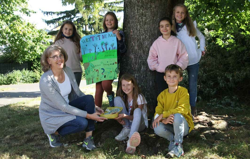 Schulkinder der GGS Burgweg helfen der Umwelt